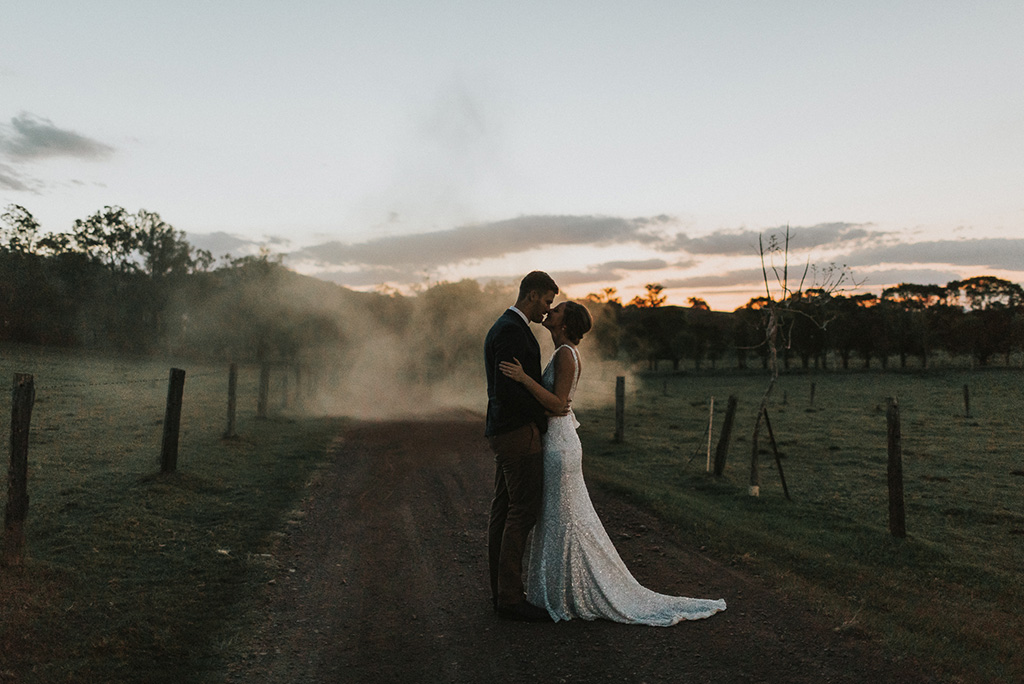 Top-Wedding-Trends-2019-Smoke-Bombs